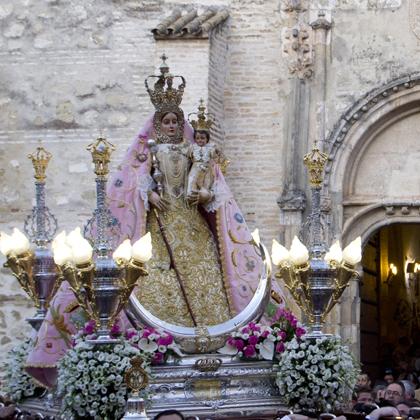 María Stma. de Araceli (traslado desde la parroquia de Santiago hasta el convento de las Carmelitas) 2012